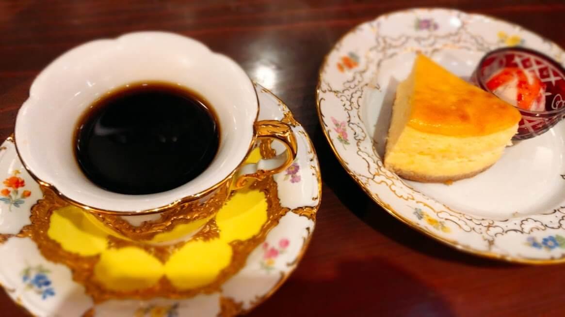 アメ横ダンケ-コーヒー-チーズケーキ