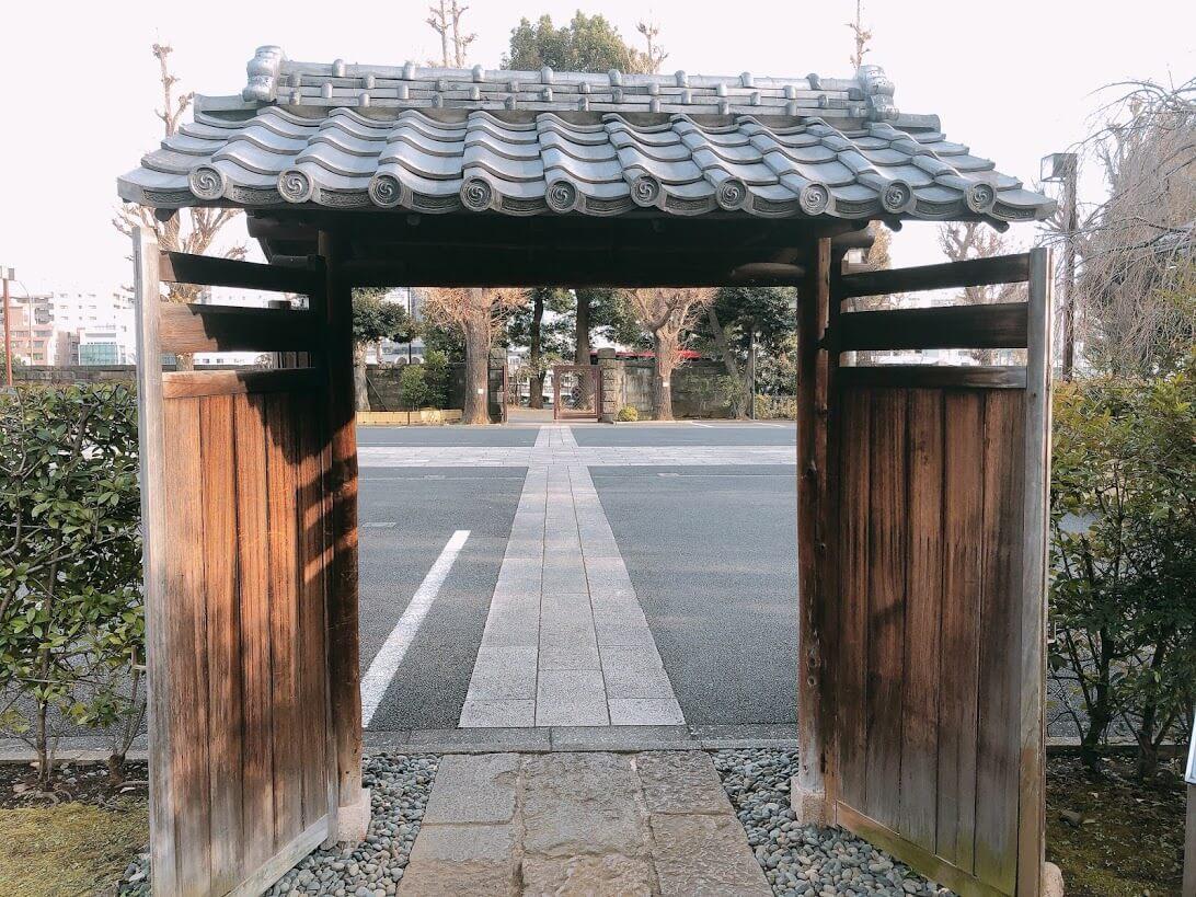 幸田露伴旧宅門