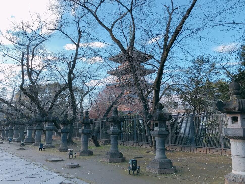 上野東照宮-石灯籠