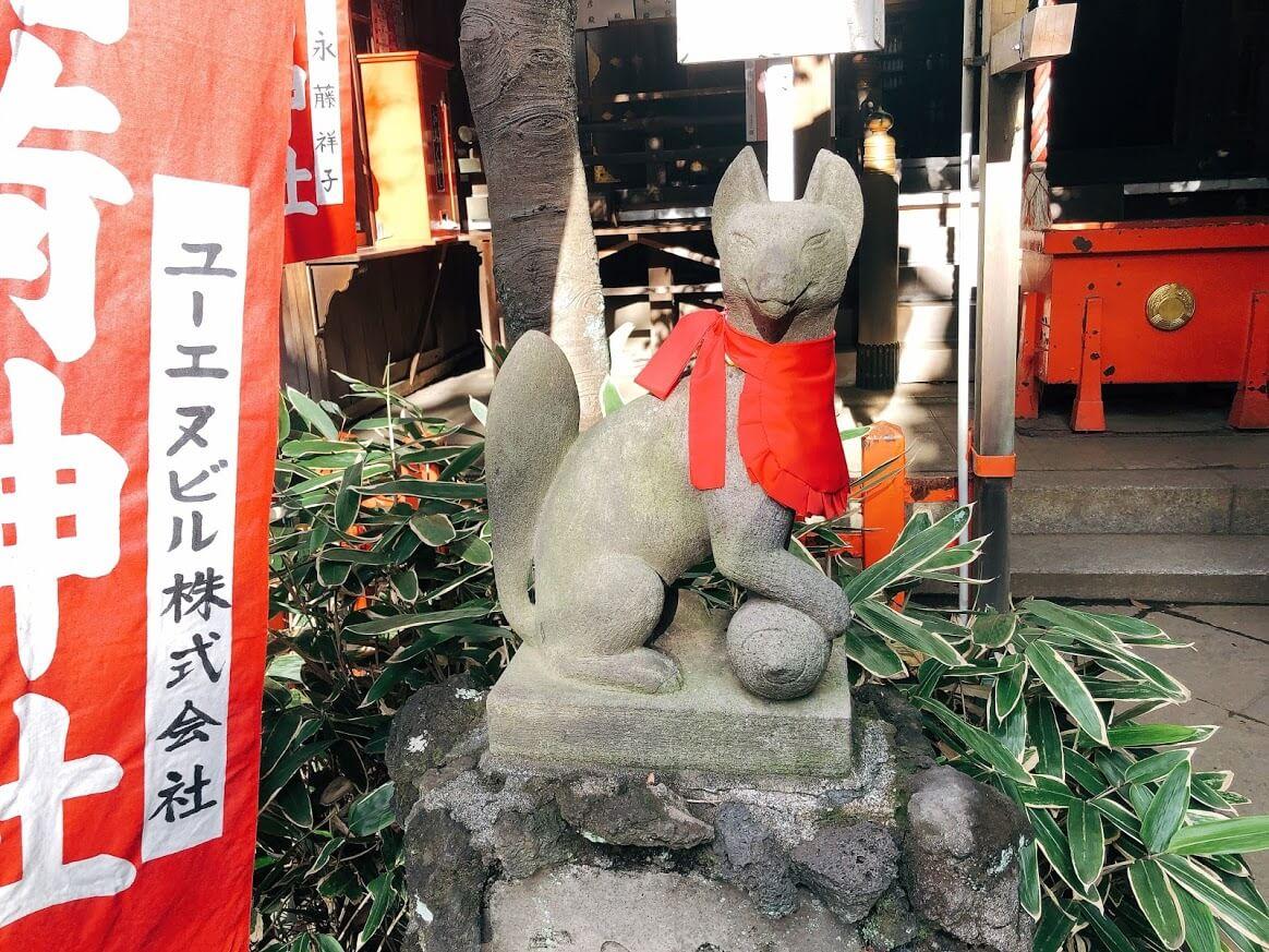 花園稲荷神社-玉取りの狐